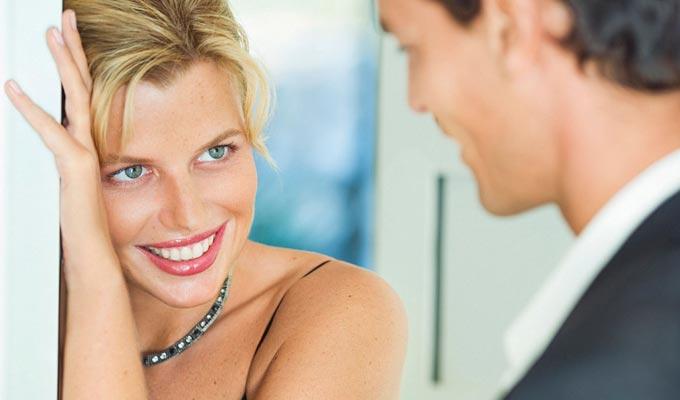 flirtând bărbat cu femeie